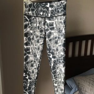 Victoria's Secret Pants & Jumpsuits - Victoria Sport Leggings